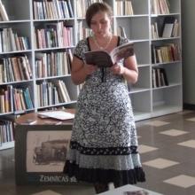 """Tikšanās ar Andru Manfeldi, grāmatas """"Zemnīcas bērni"""" prezentācija"""